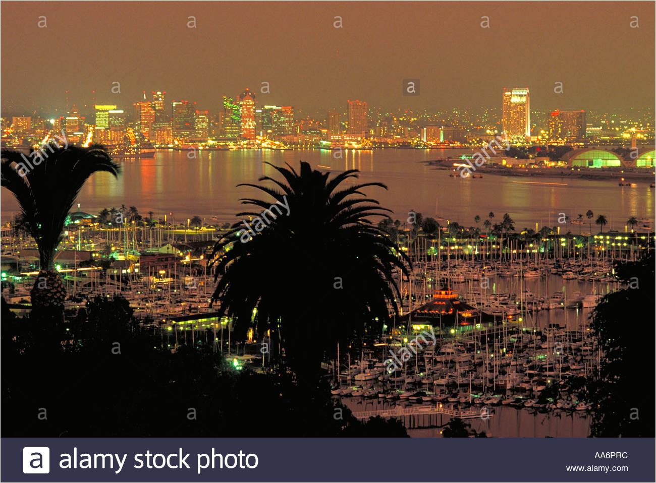 elk246 1168 california san diego downtown skyline nacht stockbild