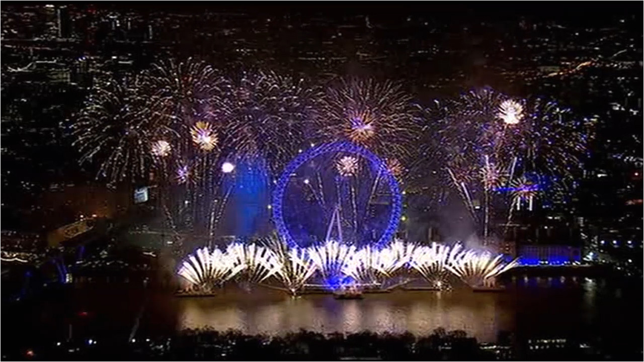 video watch new year s eve fireworks to celebrate 2019 around the world abc11 com