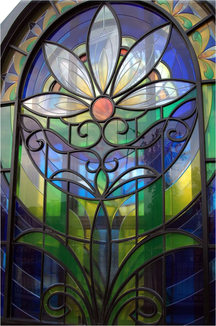 beautiful floral stained glass window in russia 3