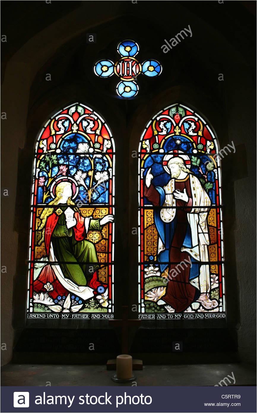 glasfenster von maria und jesus aus der bibel passage john 20 17 st