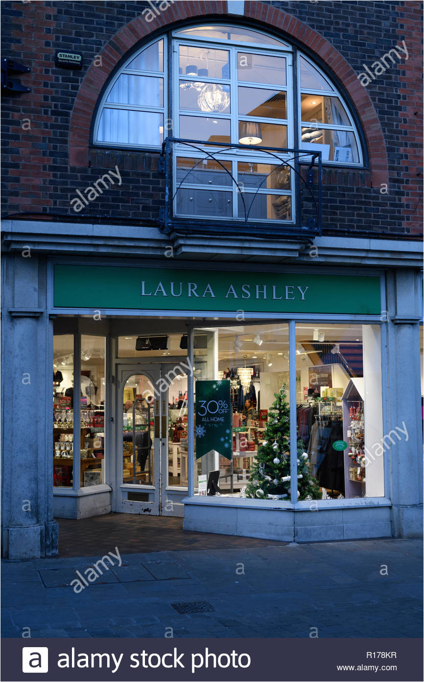 laura ashley store front high street winchester hampshire england groa britannien stockbild
