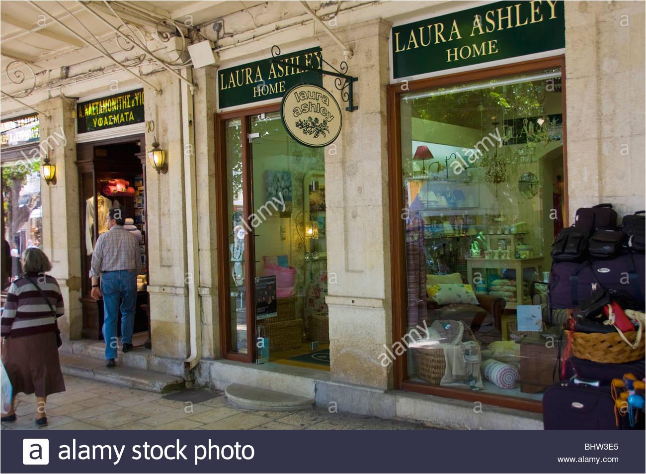 laura ashley store in korfu stadt auf der griechischen insel korfu