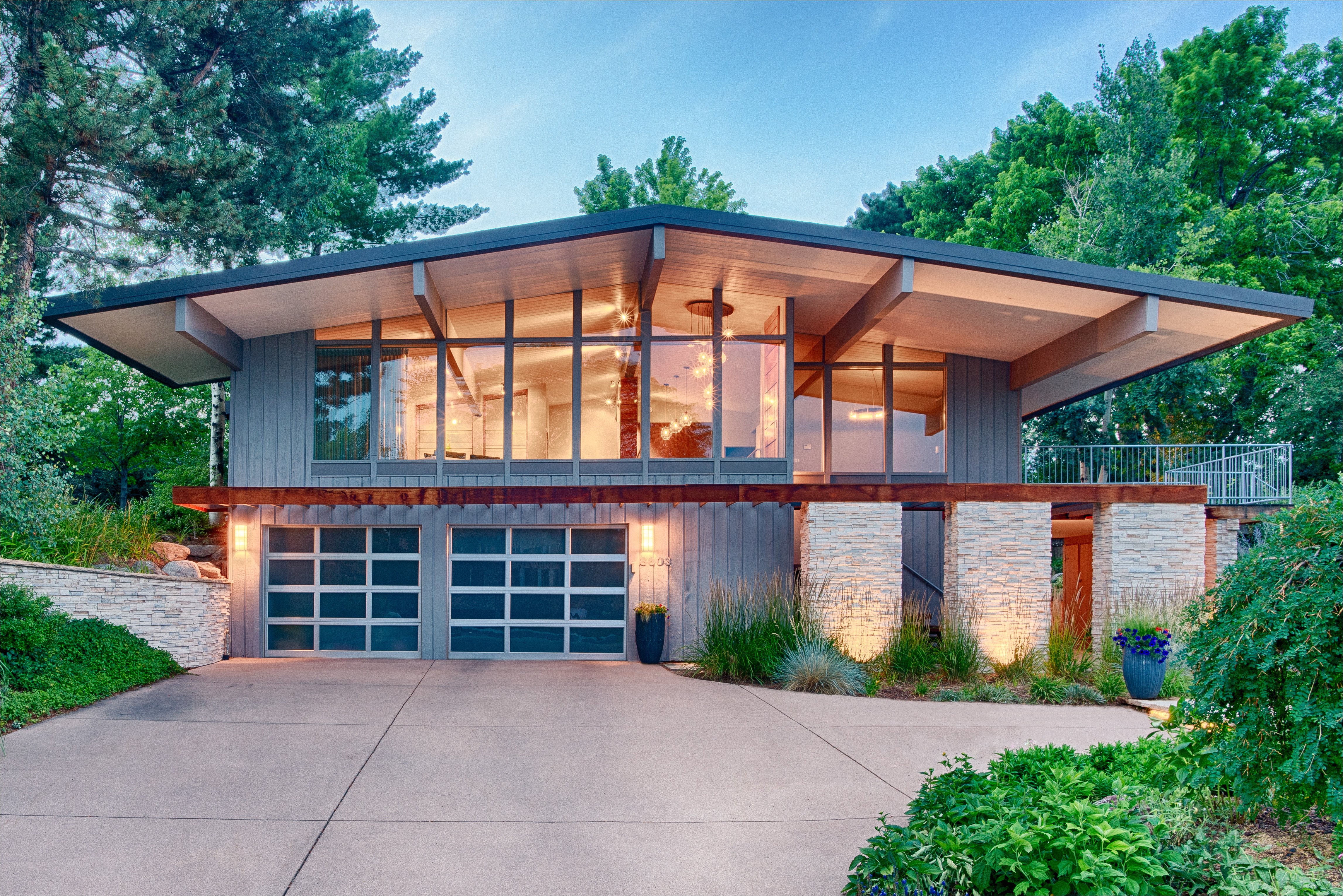 midcentury home with mountain views asks 910k