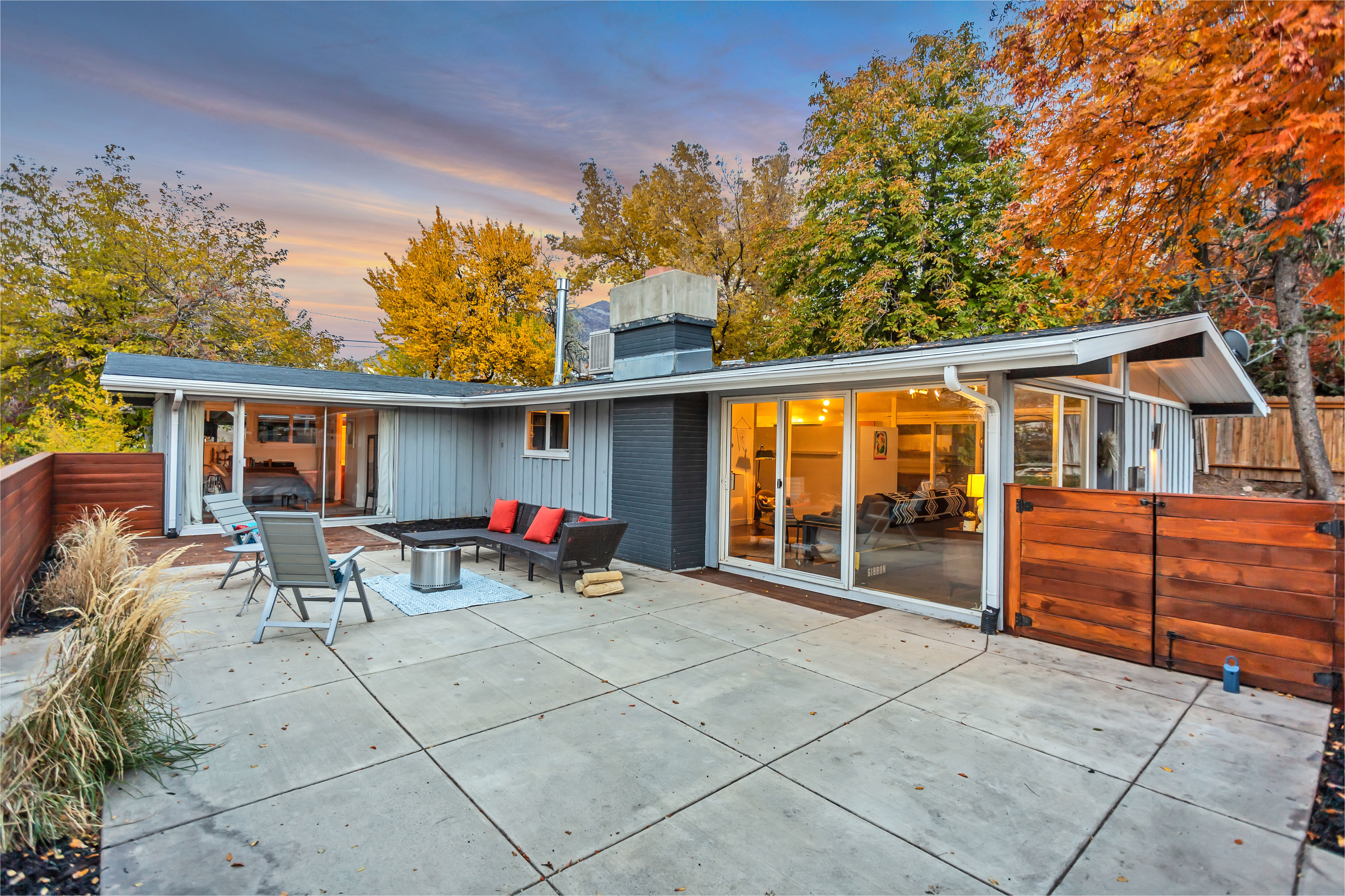 airy midcentury by cliff may wants 475k