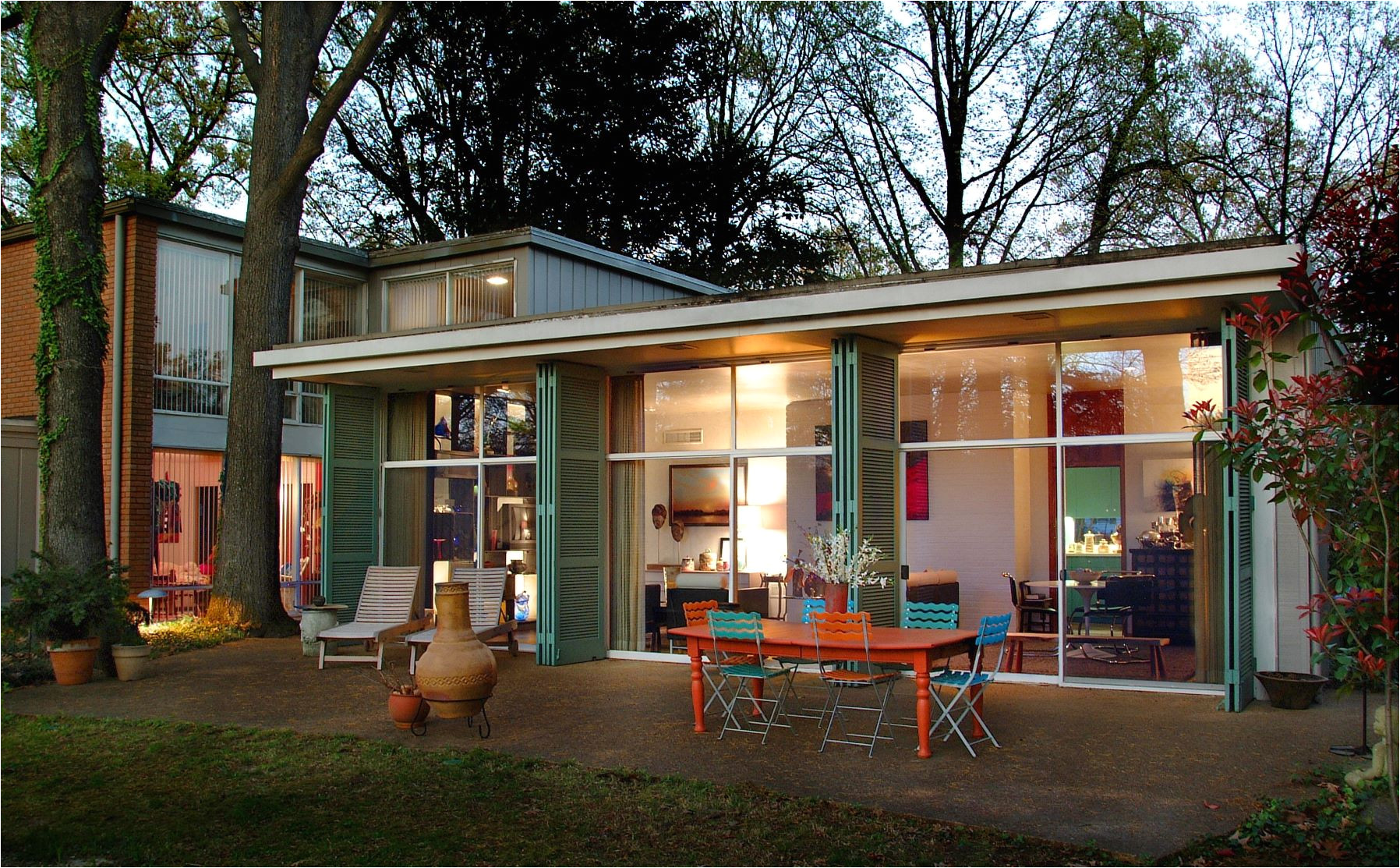 midcentury jewel in memphis boasts a cheery blue kitchen for 489k
