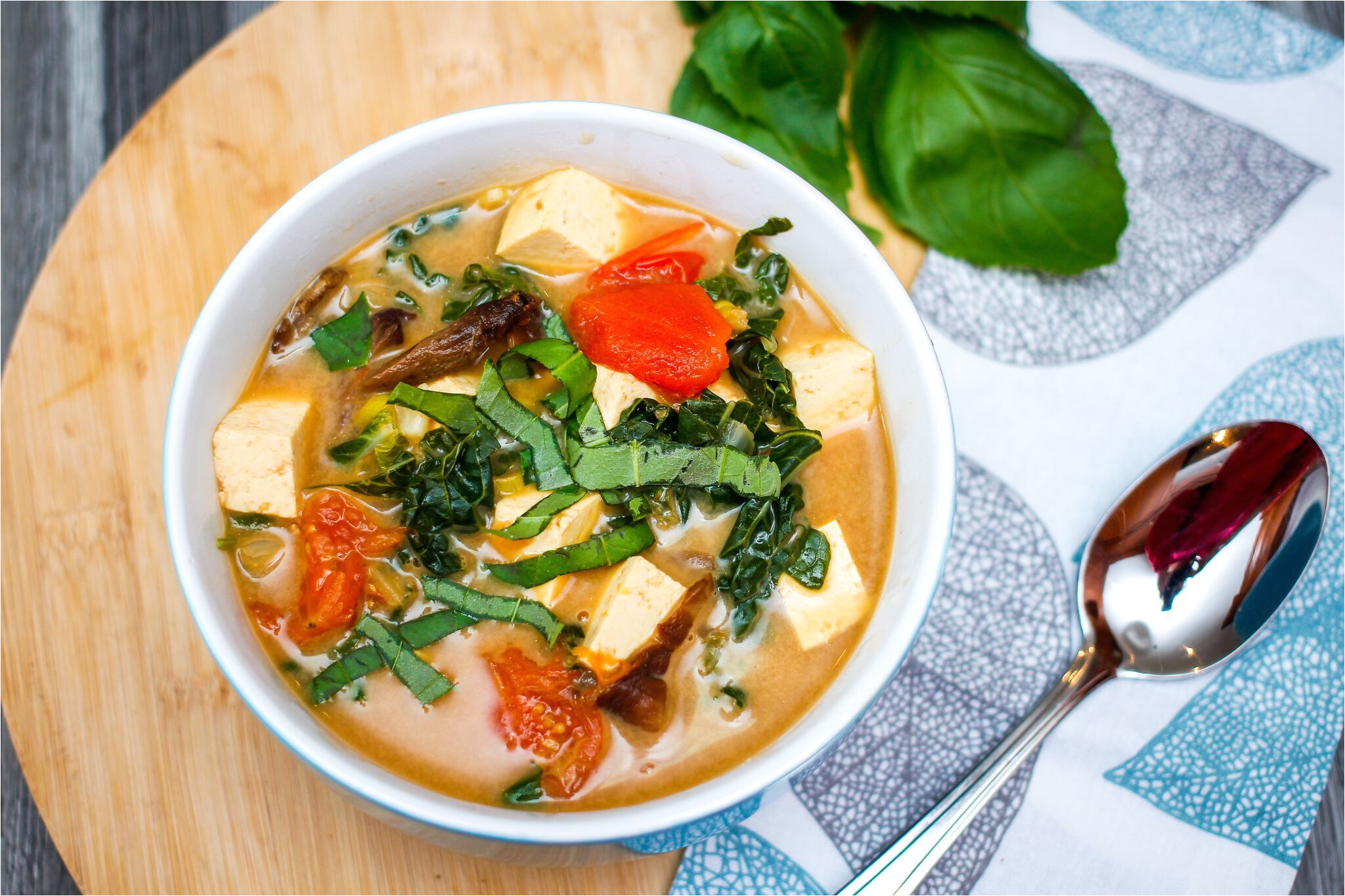 vegetarian tom yum soup 3217762 7jpg 8 preview 5b05f0283418c6003f14ab1f jpeg