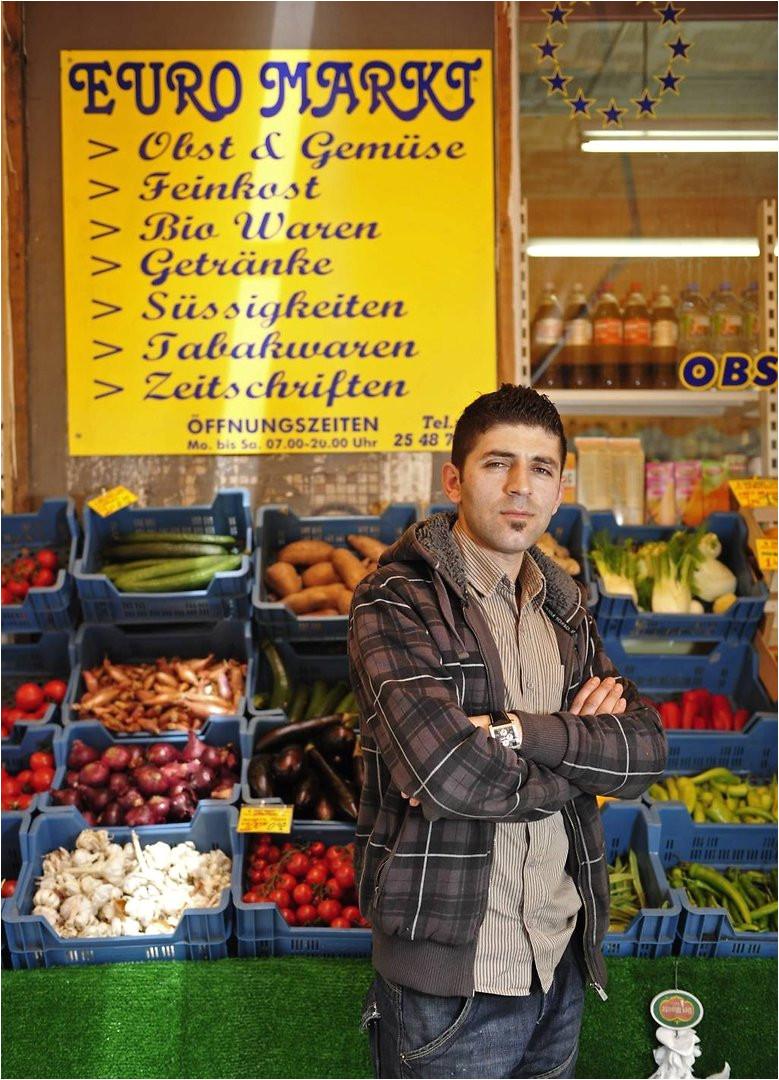 murat demir 29 chef des euro markts in der friedensallee ottensen