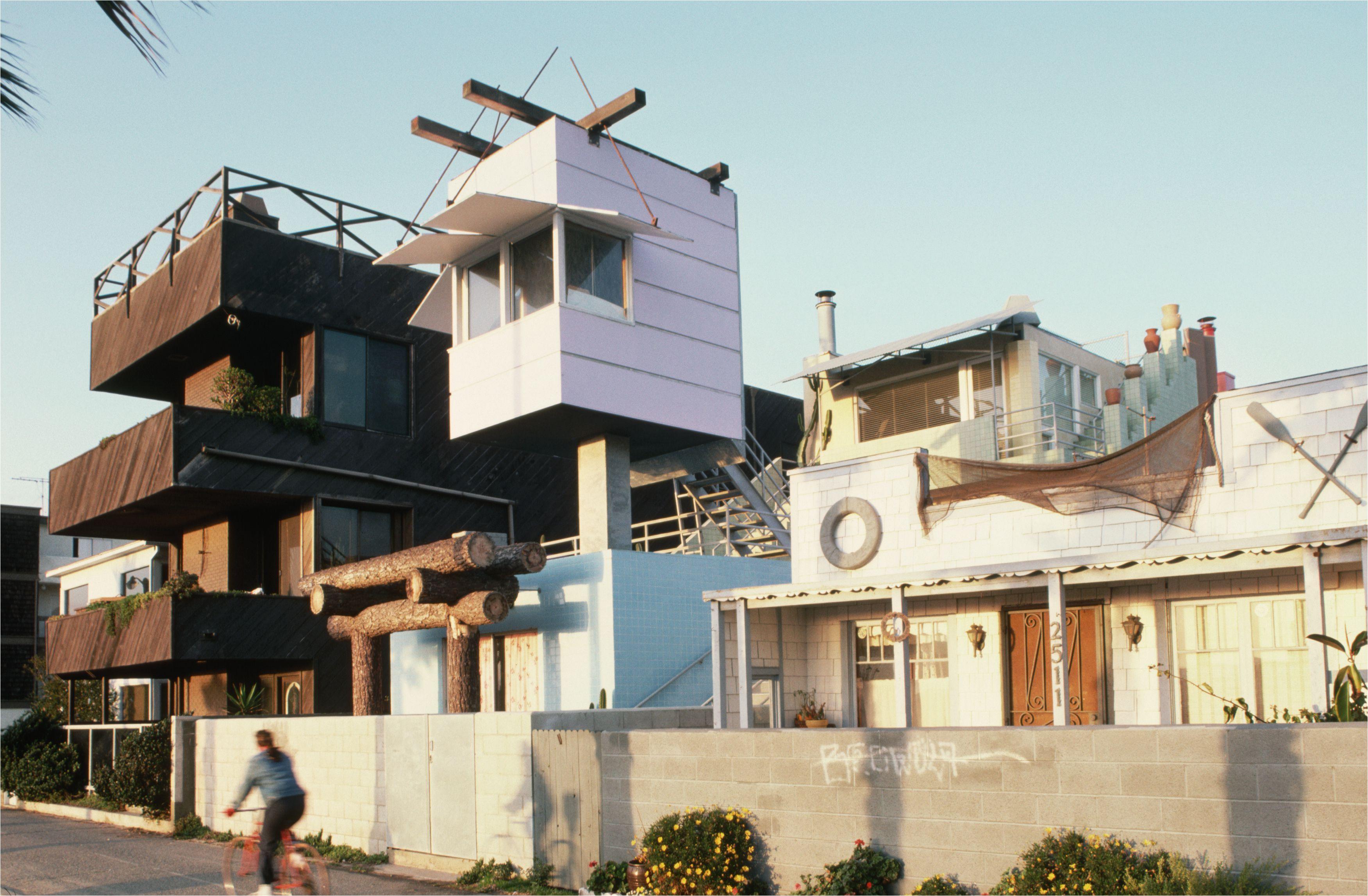venice beach house by frank gehry 521882686 587157d25f9b584db30c79b3 jpg