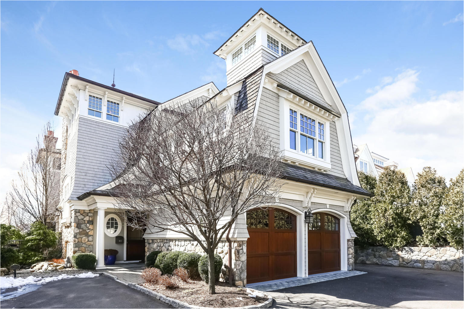 steps from greenwich avenue and a two minute walk from the train station movie theater and restaurants this classically inspired townhome