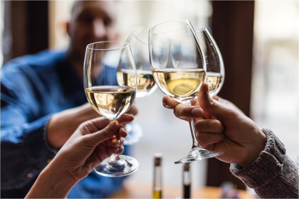 white wine clink jpg