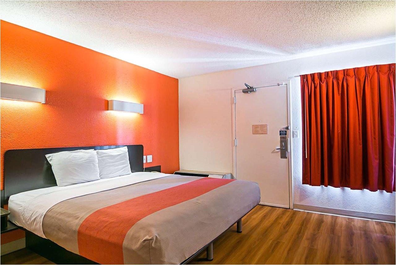 motel 6 rockford 49 i 6i 1i prices hotel reviews il tripadvisor