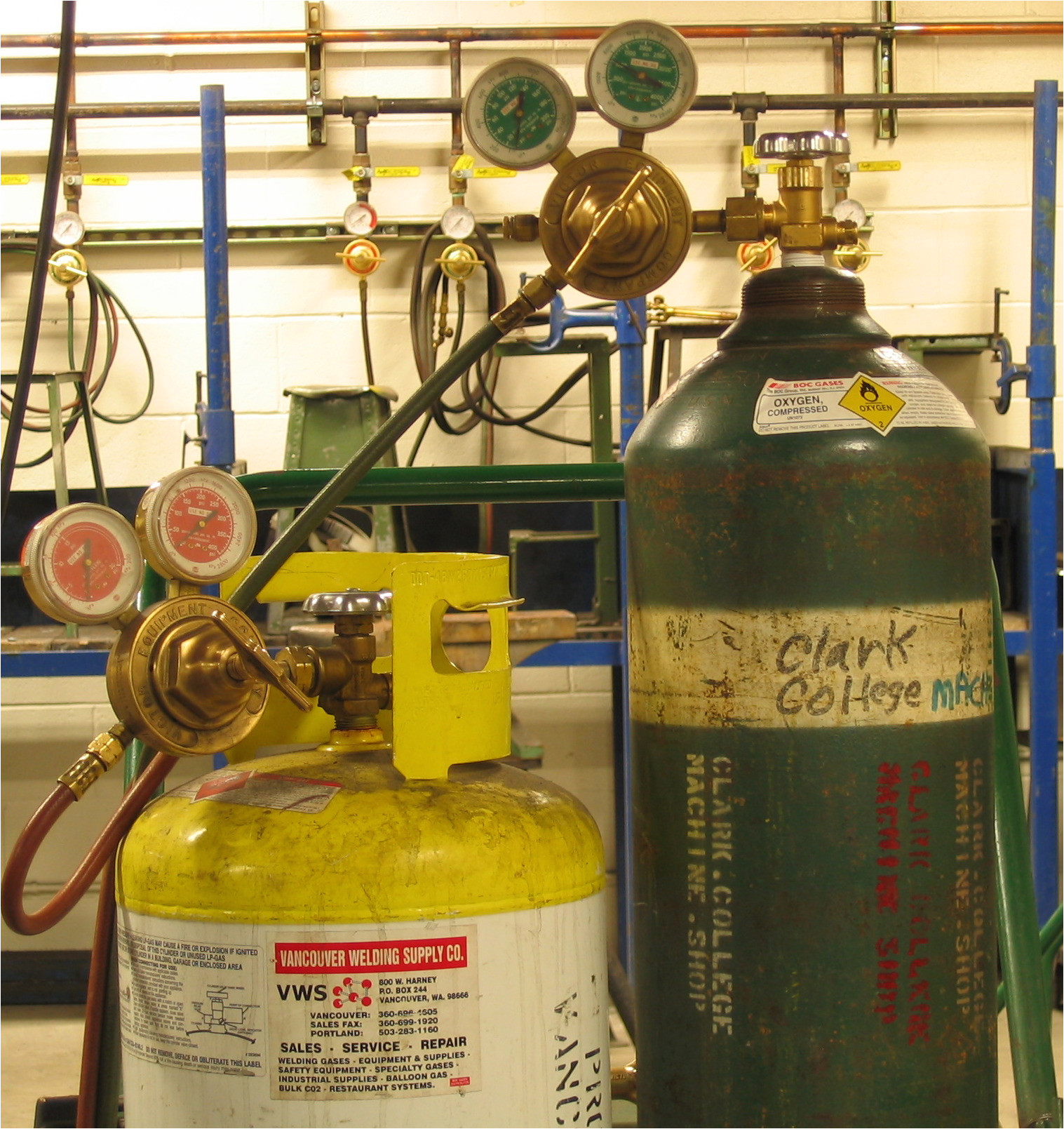 compressed gas cylinders mapp and oxygen triddle jpg