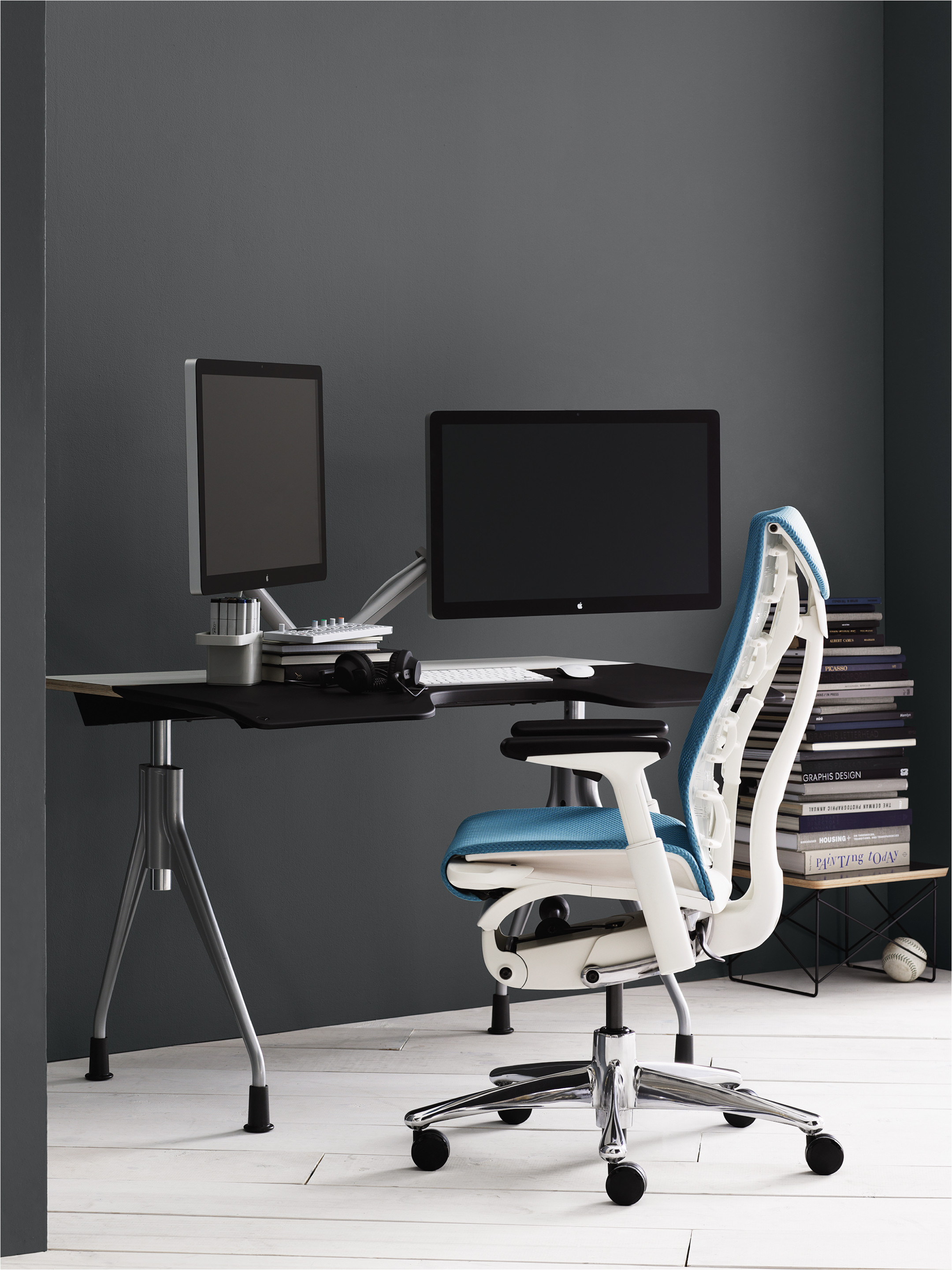 embodya task chair
