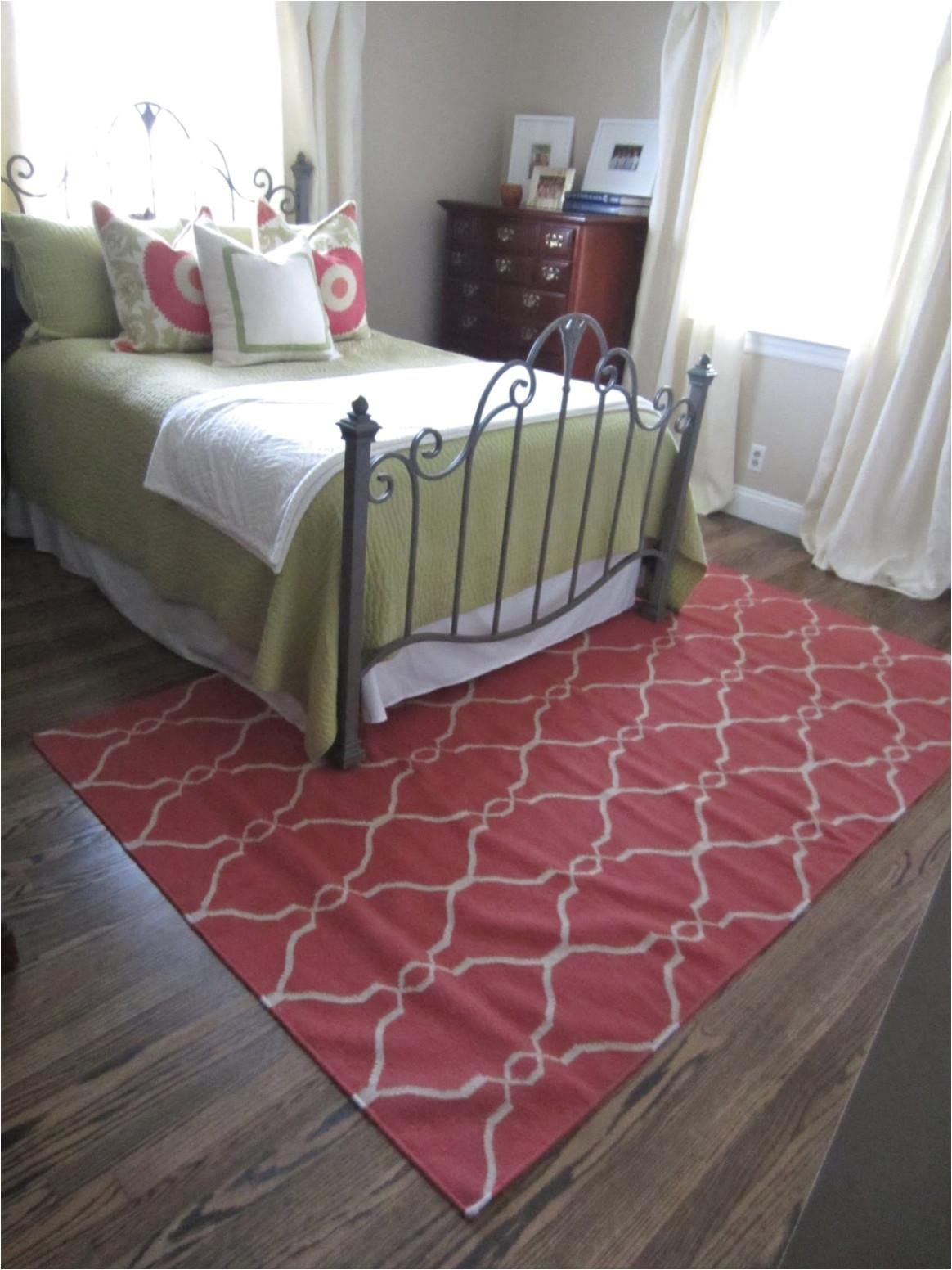 rug size under queen bed guest bedroom rug