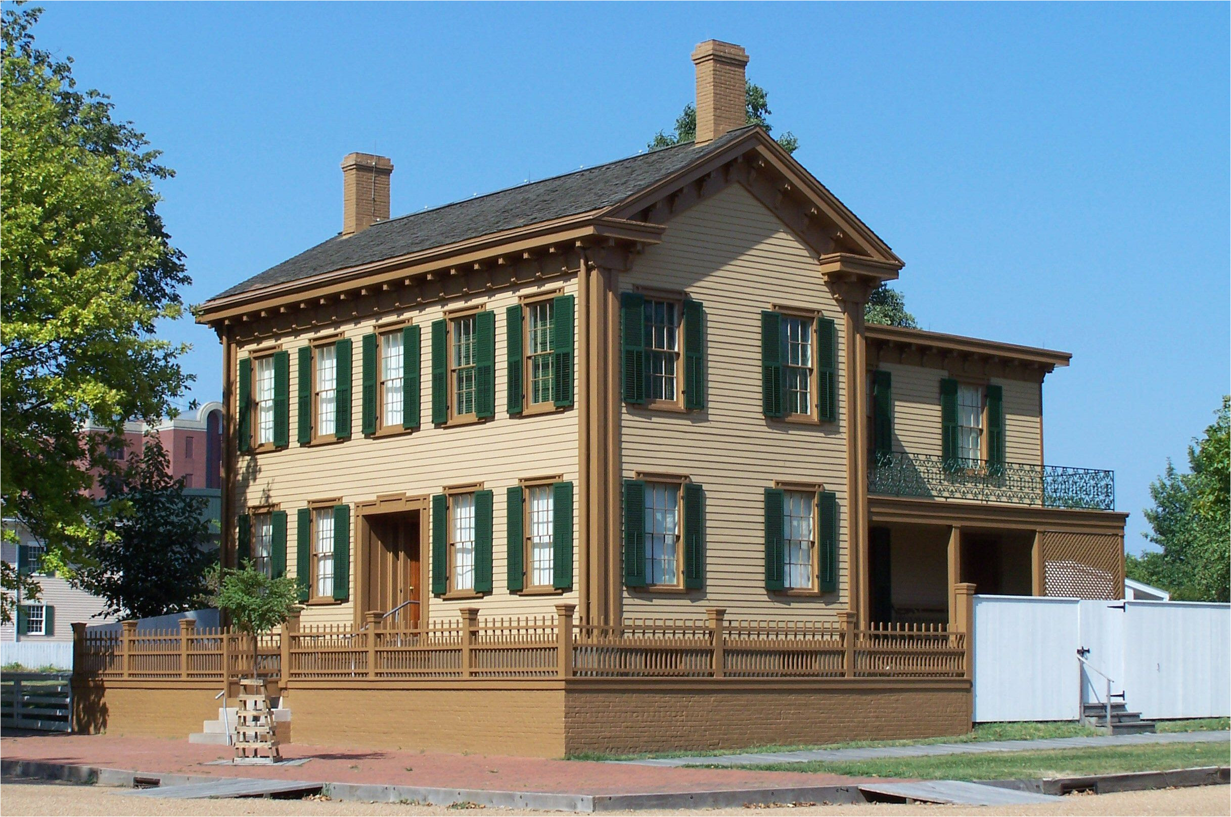 abraham lincoln s home in springfield illinois was not always two stories