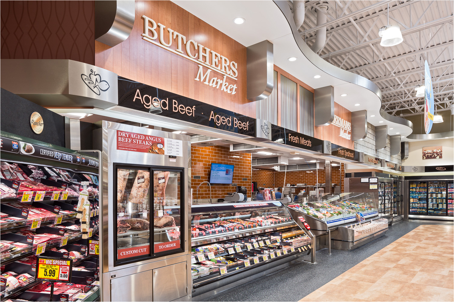 the greenville sc store features some beautiful interior and exterior changes from other harris teeter stores thanks to the creative folks at harris teeter