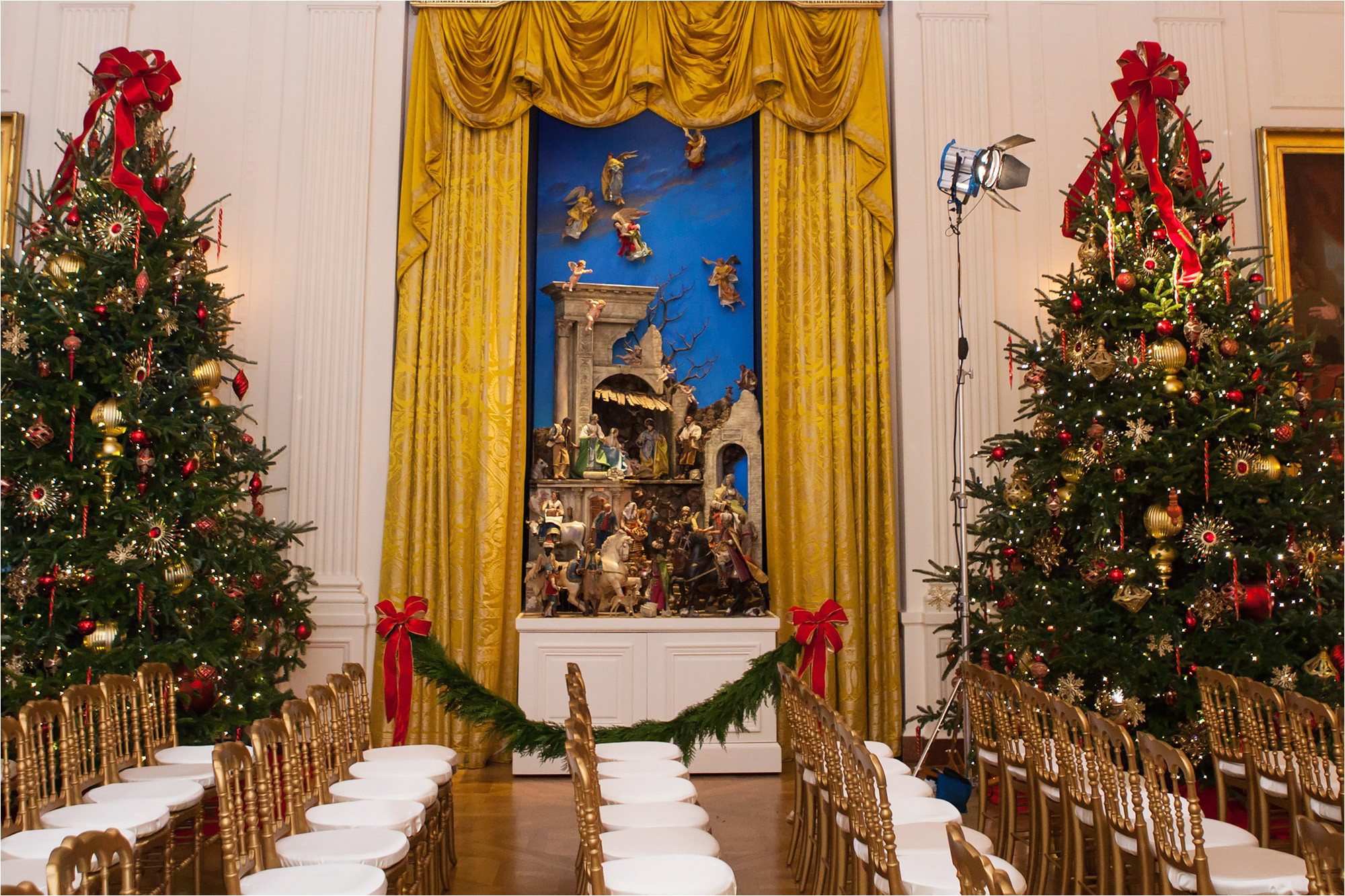 the nativity scene on display at the obama white house in 2016