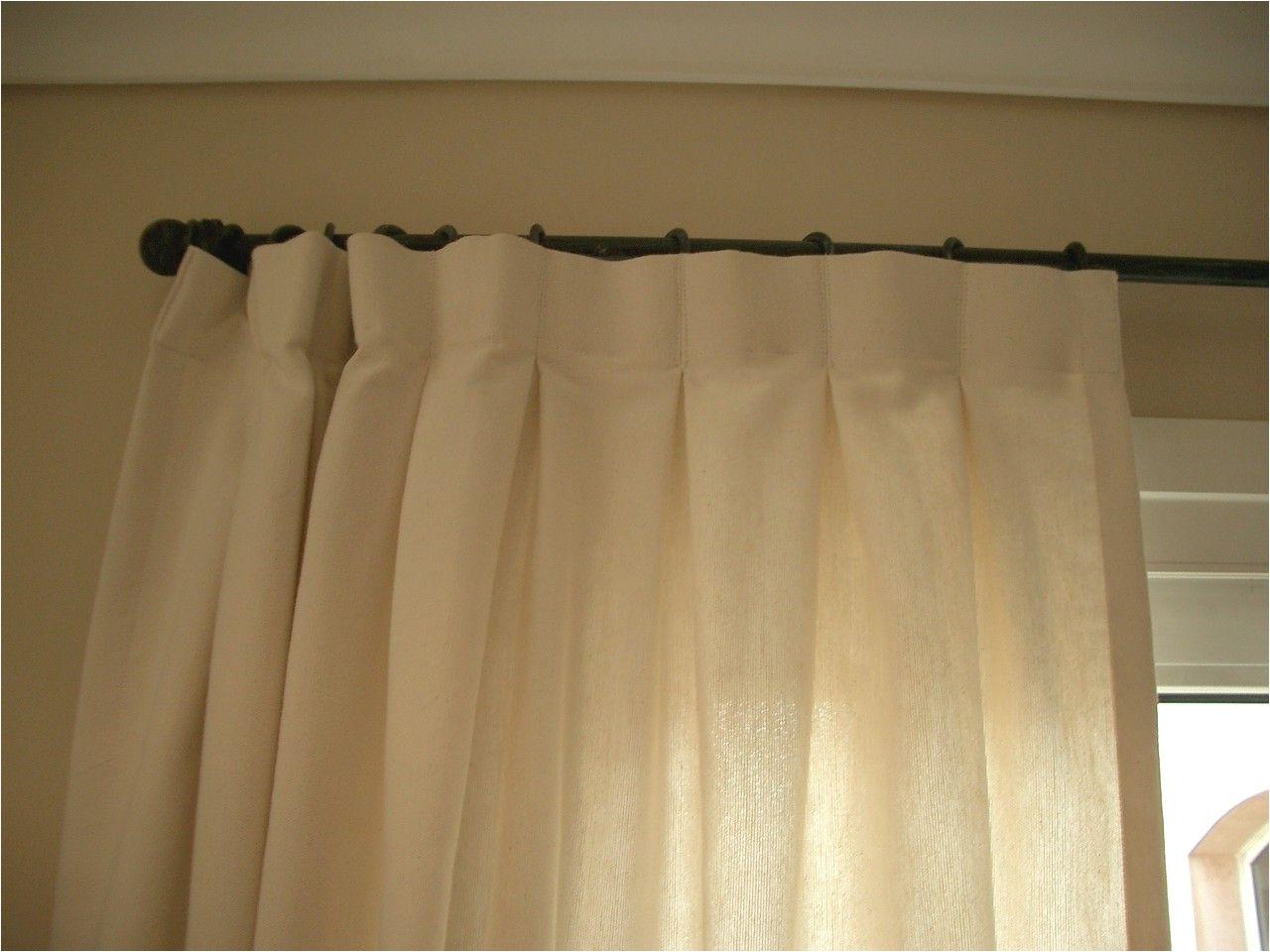 cortina pesada con cabezal de tabla encontrada romina guerrero