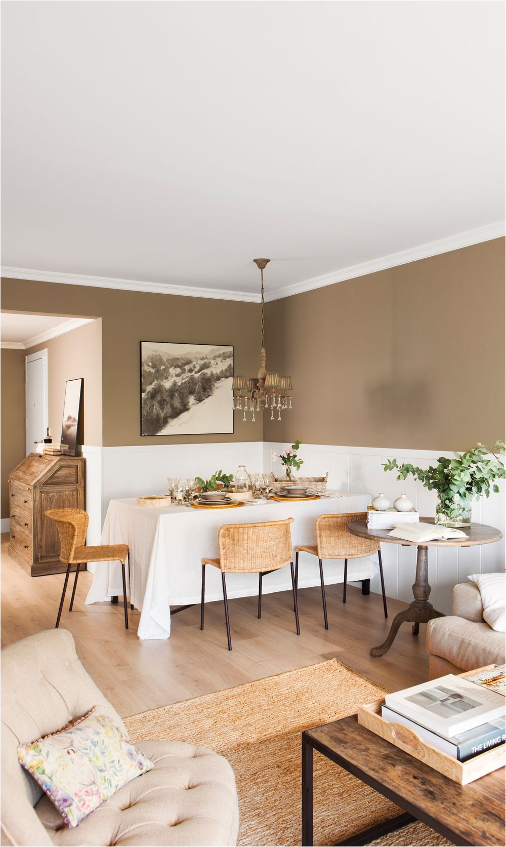 za calo blanco y paredes tostadas en sala n comedor 00438264