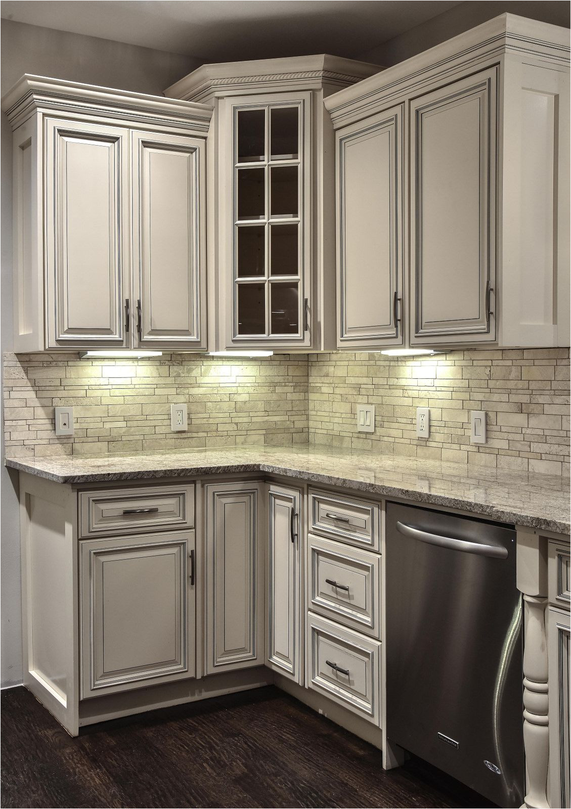 do you love traditional looks but are intrigued by the modern luxury design when it comes to combining tradition with the feel forevermark cabinets