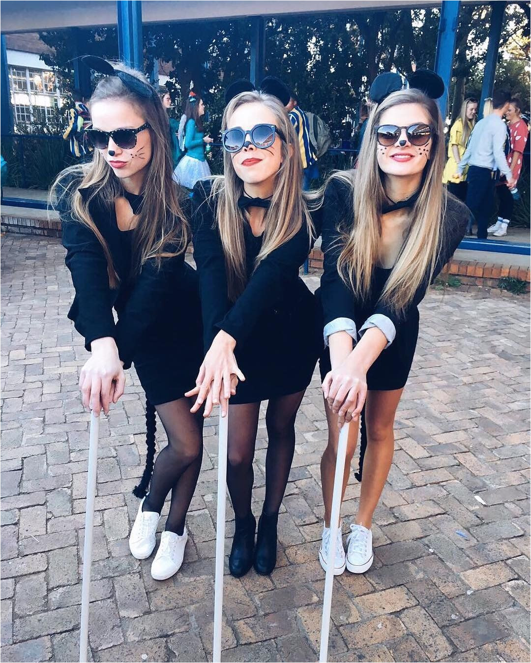 3 of a kind 21 trio costumes to wear with your best friends