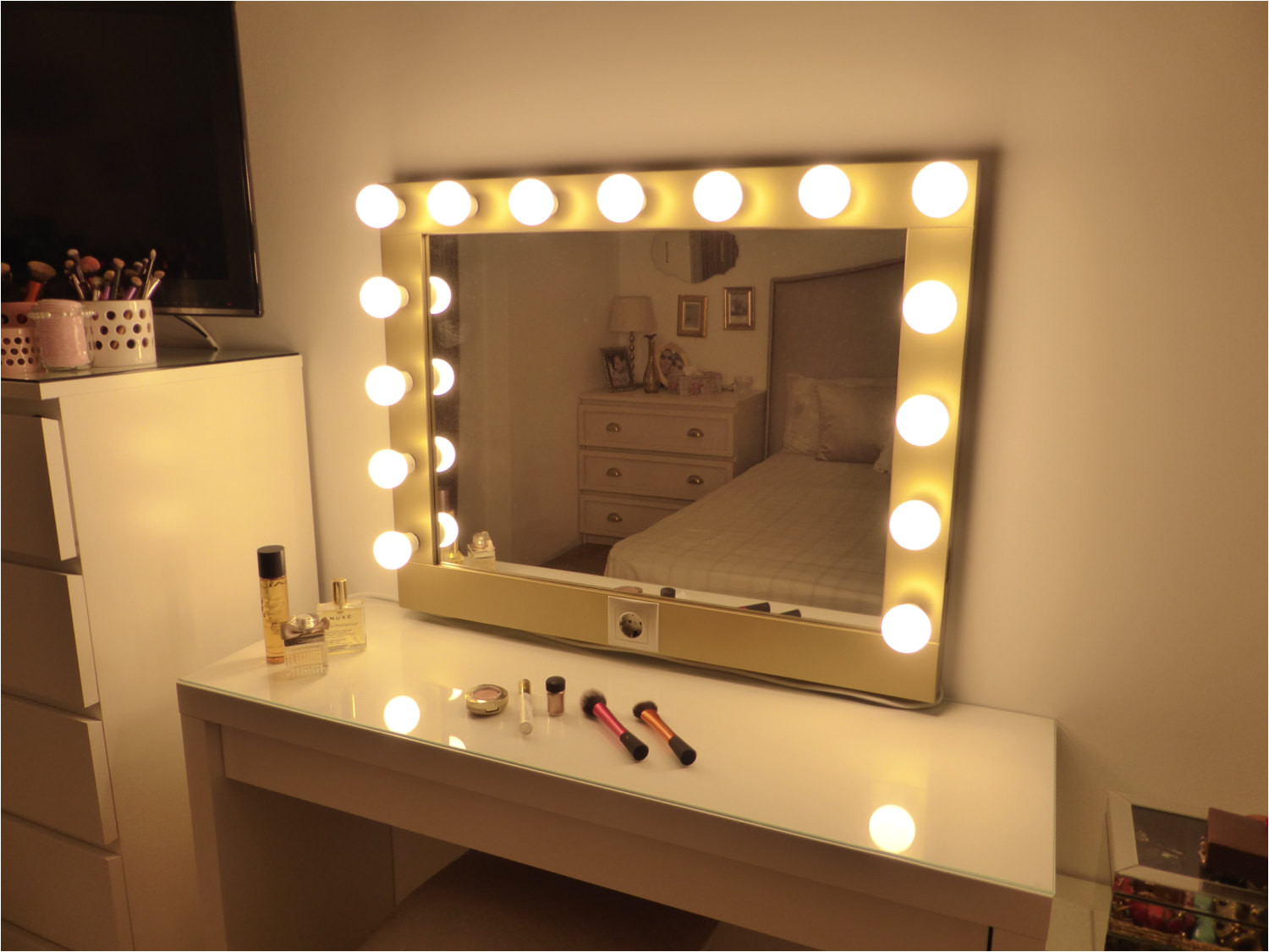 full size of led diy waneway round costco target kit cool vanity lights light hollywood white
