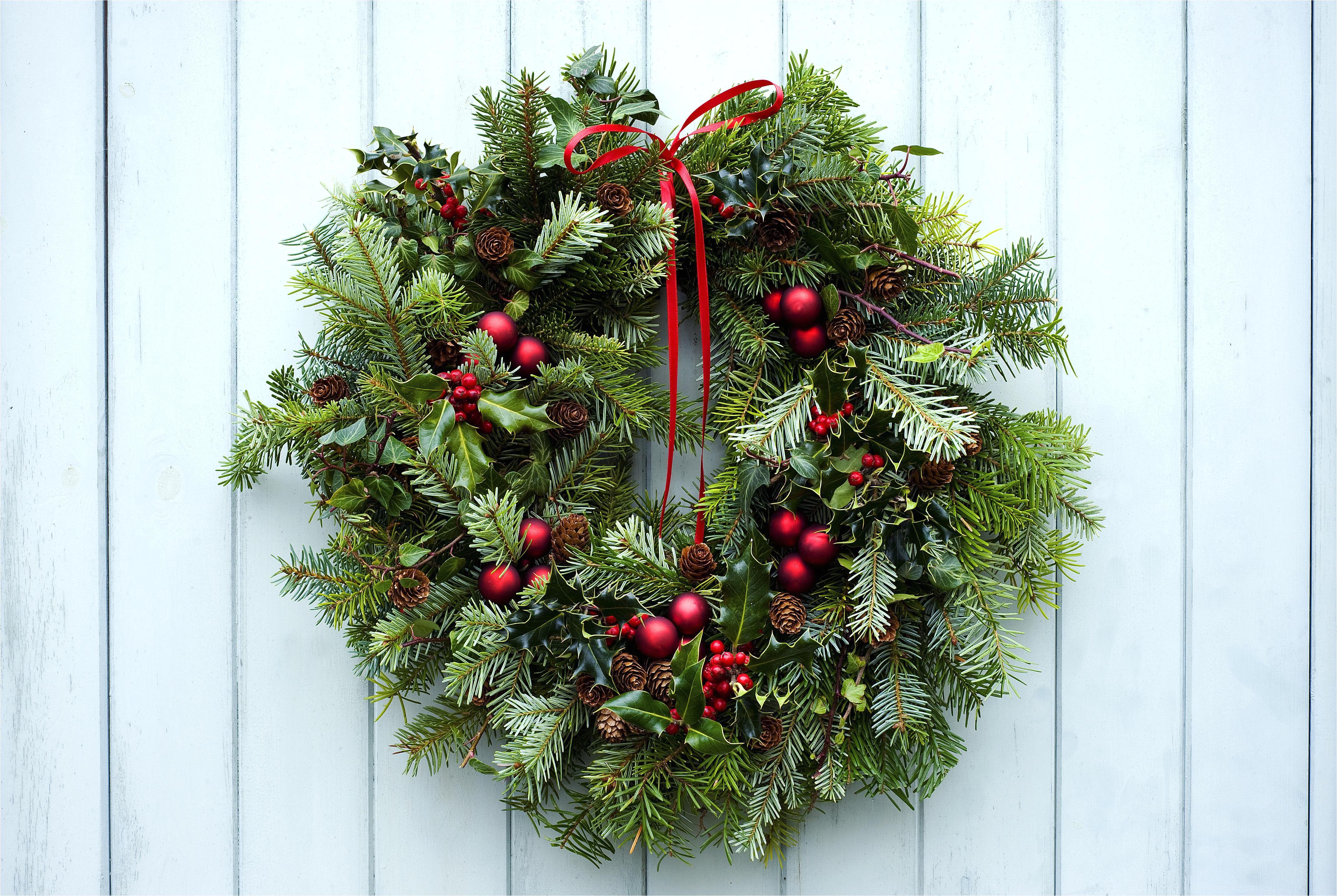 christmas wreath 5895e5605f9b5874ee01d7ef jpg