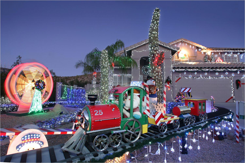 christmas santatrain 1500 5656516b5f9b5835e43ae3e3 jpg