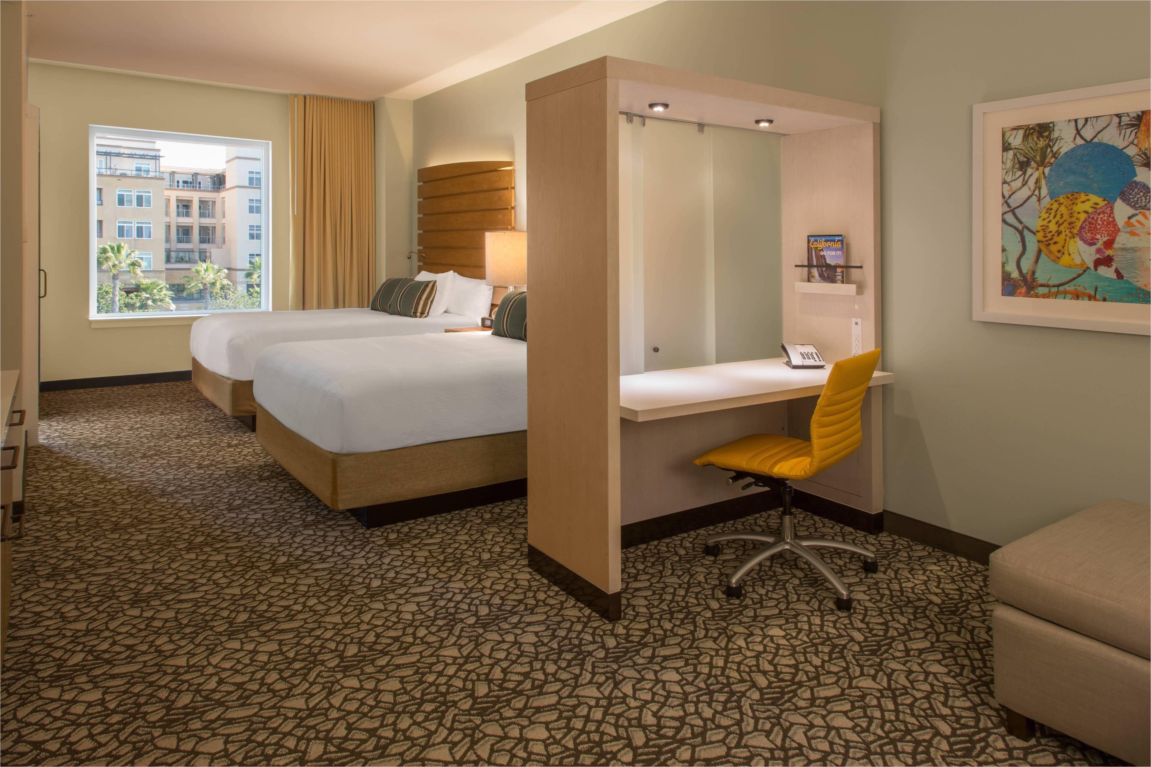 queen queen city view suite