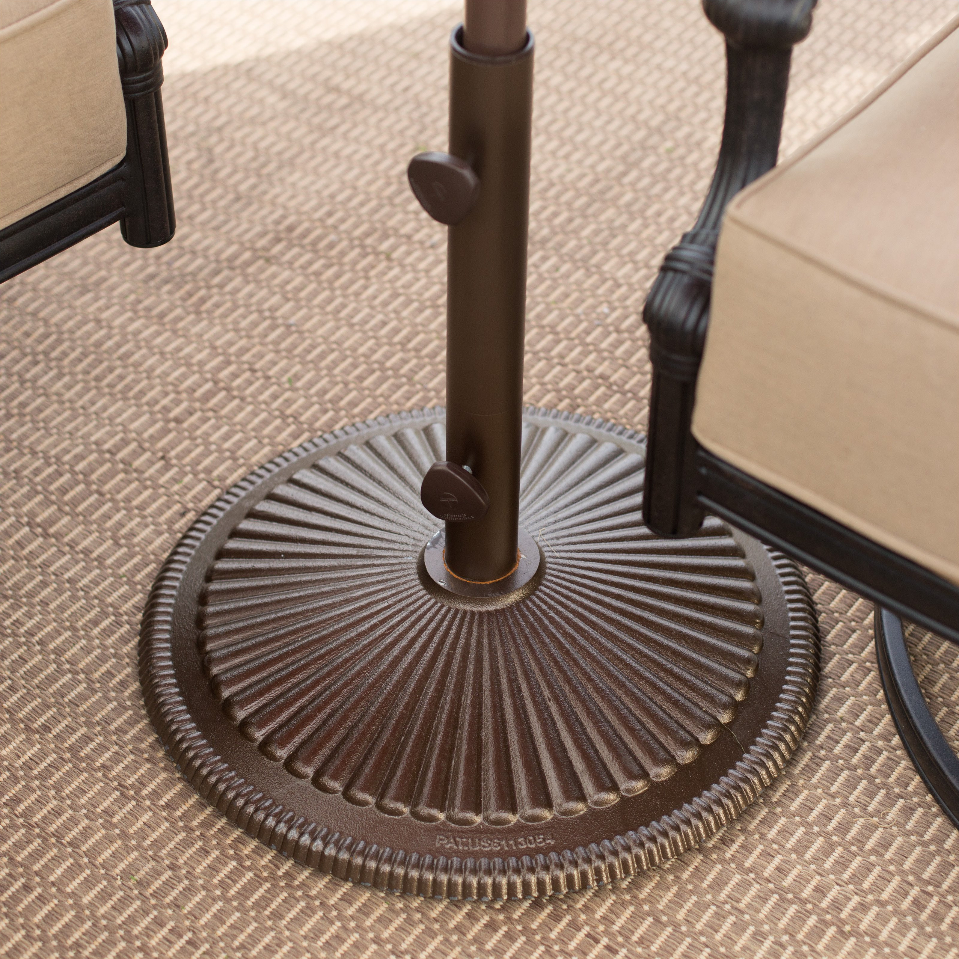treasure garden 50 lb cast iron classic patio umbrella stand walmart com