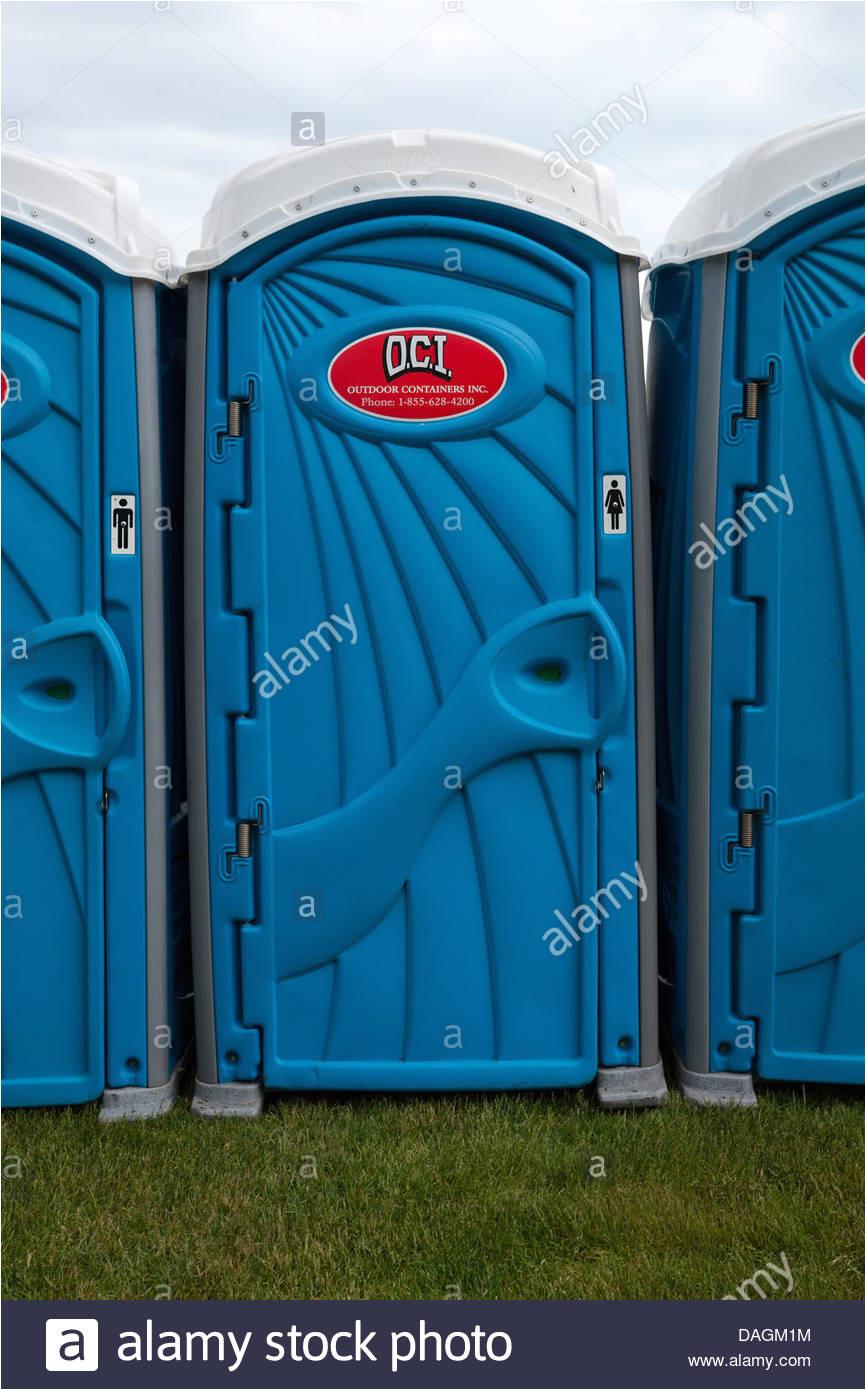 nahaufnahme von einem porta potty in burlington ontario kanada stockbild