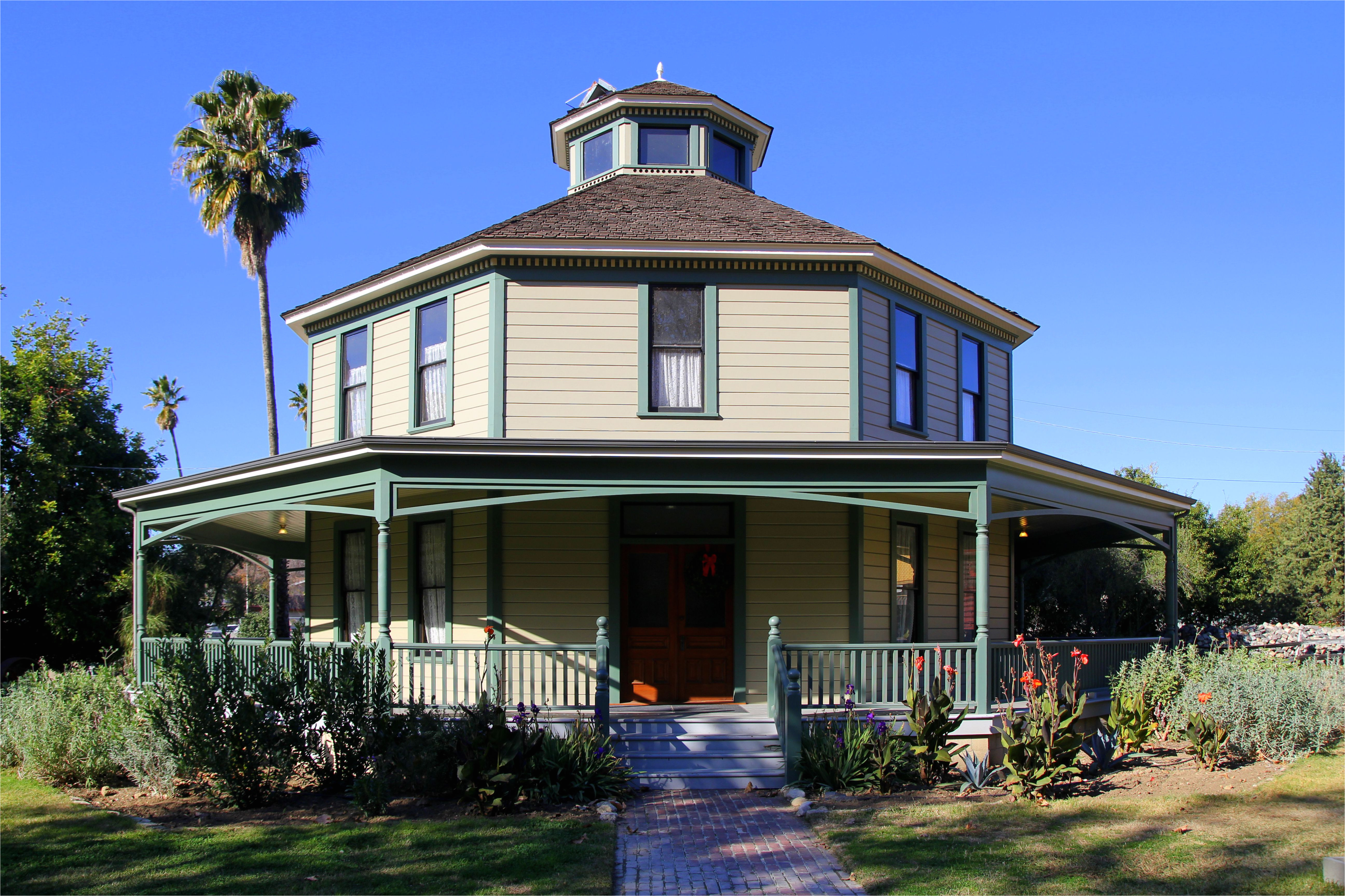 the 1893 longfellow hastings octagon house in los angeles california