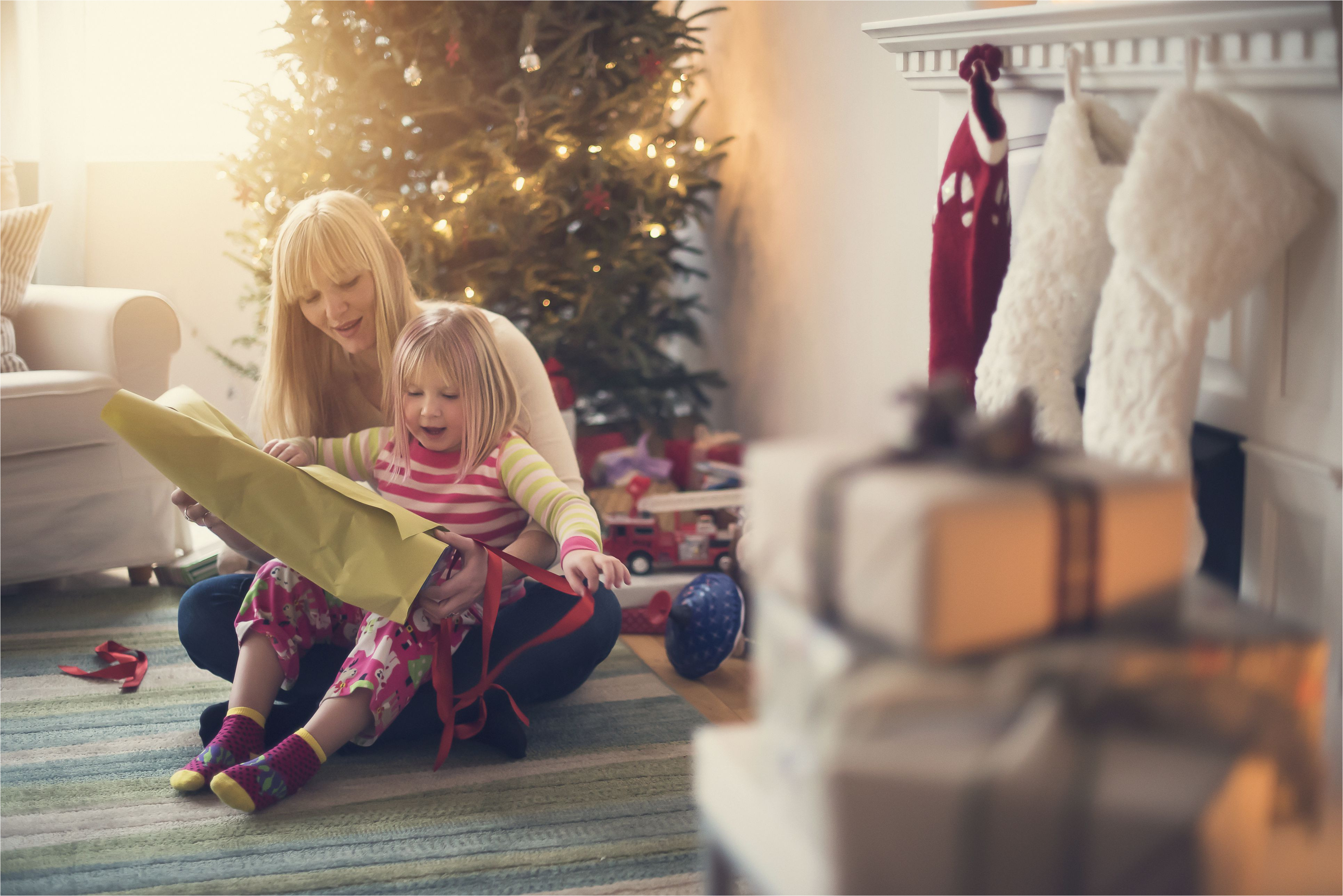usa new jersey mother and daughter 4 5 opening christmas presents 545865475 5a25686d96f7d000190a7fa5 jpg