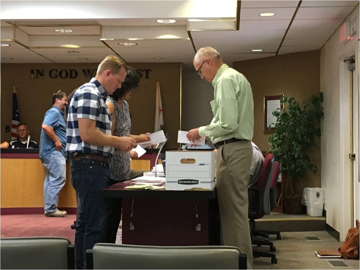 corcoran levee vote