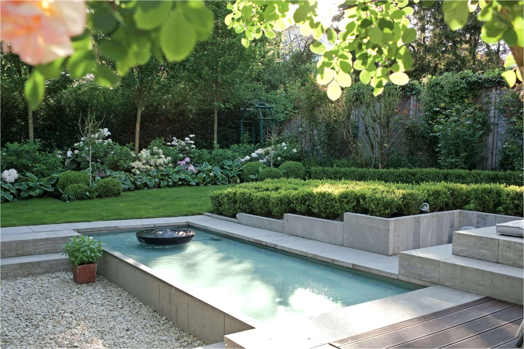gartenmauern gestalten ideen genial garten renovieren kosten elegant formaler reihenhausgarten 0d design