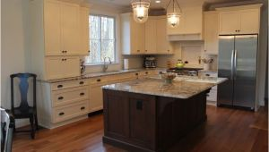 Alaska White Granite with Antique White Cabinets Granite White Alaska Delicatus Cabinets Brookhaven In