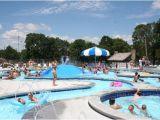City Park Manhattan Ks Pool Rings In Splash Park Foto De Manhattan City Park
