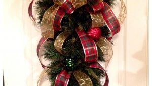 Decoracion Navideña Para Puertas De Entrada Con Reciclaje Navidad Decoracia N Navidad Pinterest Navidad Arreglos