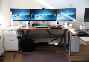 Diy Triple Monitor Stand Wood Gaming Desks Gaming Desks Computer Desk Setup Desk Setup Desk