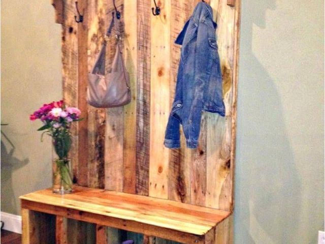 Diy Wood Pallet Picture Display Diy Your Own Pallet Hall