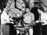 Emperor Grandfather Clock Won T Chime Photos today In History Nov 8 Photo Galleries Postbulletin Com