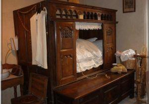 Enclosed Beds for Adults Un Lit Clos Breton