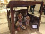 Hobby Lobby Nativity Sets Hobby Lobby Helped Sponsor Nativity Scene In Fla Capitol