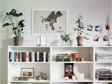 How to Decorate A Half Wall Ledge Pin Von A Elainea Auf Home Pinterest Bookshelves Home Decor