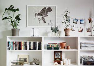 How to Decorate A Half Wall Ledge Pin Von A Elainea Auf Home Pinterest Bookshelves Home Decor