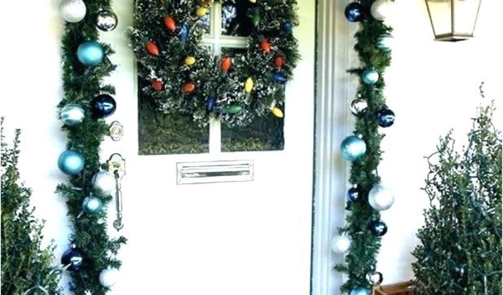 How To Hang Garland Around Front Door With Vinyl Siding How To Hang