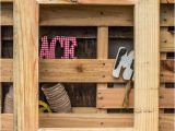 Picture Frame Ideas with Pallets Diy Wooden Pallet Picture Frame 101 Pallets