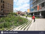 Public Park In Manhattan Built On An Old Railway Public Park Manhattan Zipin Me