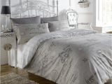 What is the Difference Between Bedspreads and Quilts Script Beige French Text Print Super King Duvet Quilt Cover Bedding