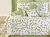 What is the Difference Between Bedspreads and Quilts Serendipity All Cotton Quilt Bedding Beddings Tahari Bedding